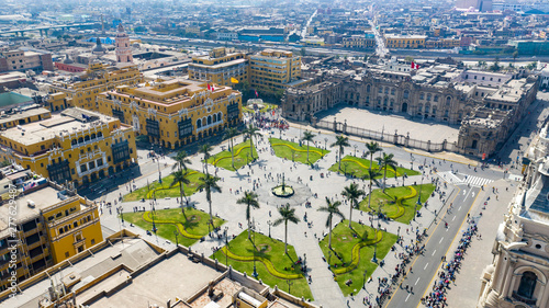Poster Paris Aerial view of Lima main square, government palace of Peru and cathedral church. Tourists and people gathered at