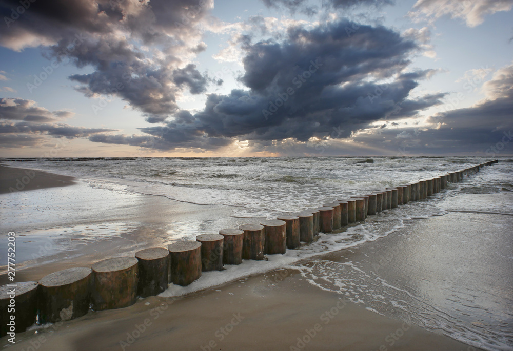 Fototapeta Morze zachód słońca - falochron