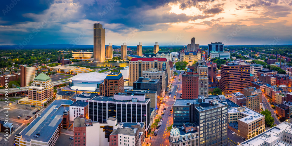Fototapety, obrazy: Aerial panorama of Albany, New York downtown along State street, at dusk. Albany is the capital city of the U.S. state of New York and the county seat of Albany County