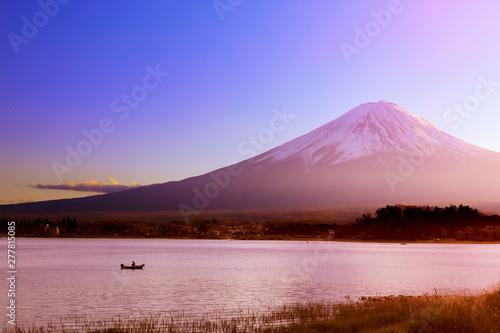 Foto auf AluDibond Rosa hell Fuji mountain at Kawaguchiko lake in Japan