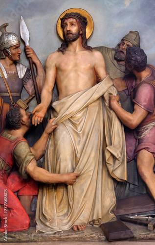 Photo 10th Stations of the Cross, Jesus is stripped of His garments, Basilica of the S