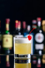 Cocktail Whiskey Sour, Classic...