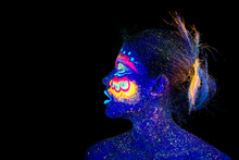 The Woman Portrait Face, Aliens Asleep, Ultraviolet Make-up. Beautiful Blue Woman Screaming In Profile