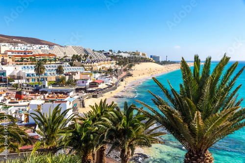 Printed kitchen splashbacks Canary Islands Picturesque view of Morro Jable beach on Fuerteventura island, Canary Islands, Spain. One of the best beach in the Canaries. It resembles the most heavenly beaches of the world