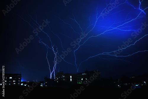 Photographie  Thunder lightning  rain storm in the rainy season