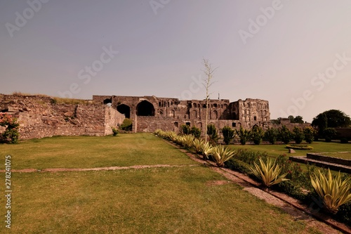 The Golconda Fort in Hyderabad is an ancient seat of the royal rulers of Hyderab фототапет