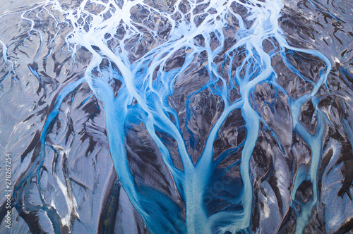 Photo  Aerial view of glacier river system in Iceland