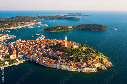 Montage in der Fensternische Südeuropa Beautiful Rovinj at sunset. Aerial photo. The old town of Rovinj, Istria, Croatia