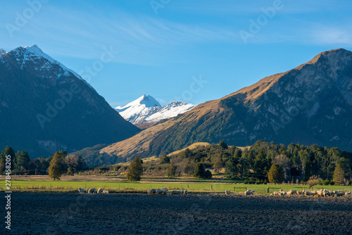 Stunning natural scenery in Mount Aspiring national park beneath the Southern Al Wallpaper Mural