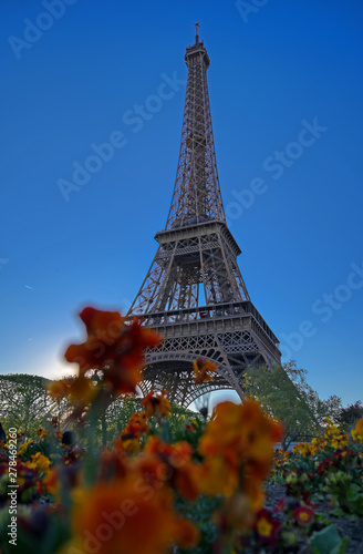 A view of the Eiffel Tower in Paris, France. Wallpaper Mural