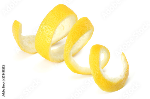 Cuadros en Lienzo  fresh lemon peel isolated on white background. healthy food