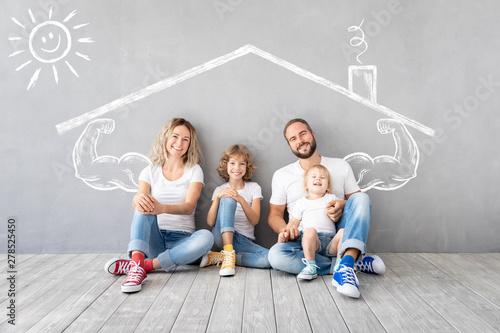 Obraz Family New Home Moving Day House Concept - fototapety do salonu