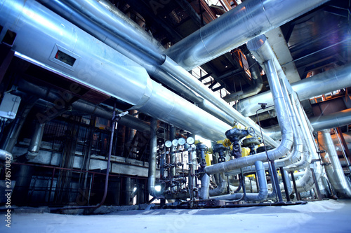 Carta da parati  Industrial Steel pipelines, valves, cables and walkways