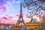 Fototapeta Fototapety z wieżą Eiffla - The Eiffel Tower and vintage carousel on a winter evening in Paris, France.