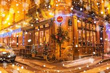Typical Parisian Cafes, Decora...