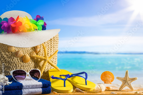 Foto  Summer holiday concept, sea background