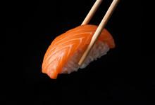 Traditional Japanese Nigiri Su...