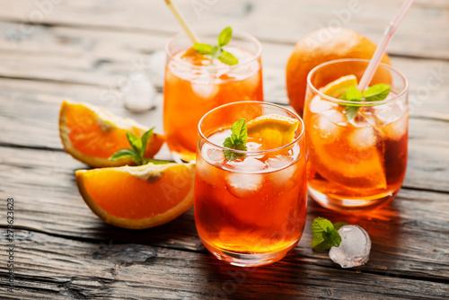 Aperol Spritz with orange Fototapet
