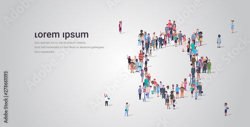 people crowd gathering in gear wheel icon shape social media community teamwork Slika na platnu