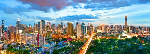 Cadres-photo bureau Bangkok Panoramic twilight view cityscape commercial modern building and condominium in downtown Bangkok ,Thailand