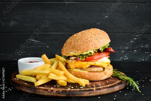 Burger with veal, cheese an...