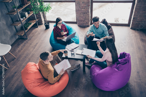 Fotografía  Top above high angle view of nice attractive smart clever interns managers revie