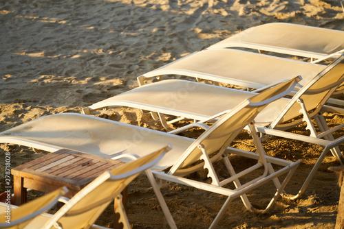 La pose en embrasure Aeroport a scene from the summer holiday