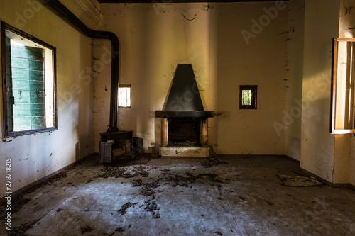 Photo Urban exploration / Abandoned villa