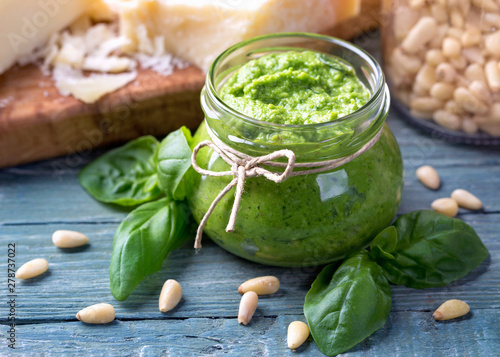 Fotografia Homemade pesto