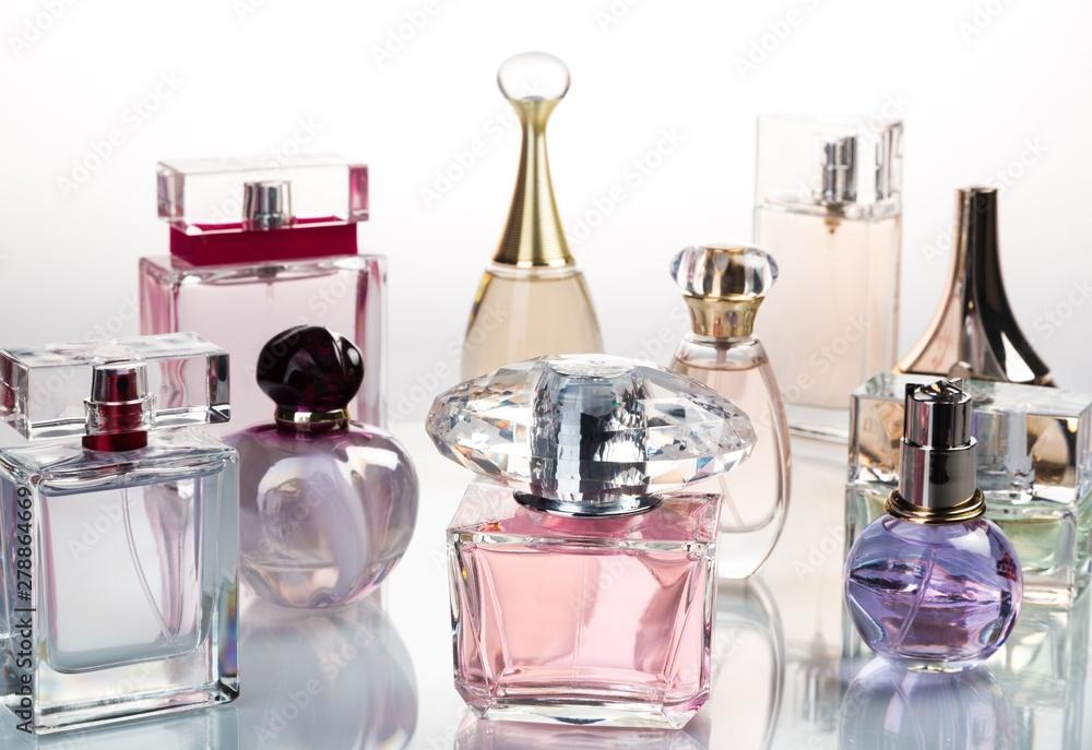 Fototapety, obrazy: Glass Perfume Bottles