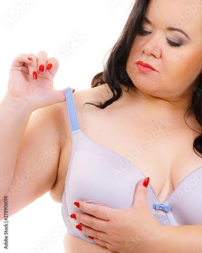 Photo Big woman wearing bra