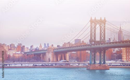 Fototapeta Manhattan Bridge on a winter day in New York, USA obraz