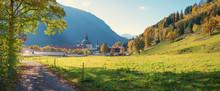 Goldener Oktober In Oberbayern - Malerische Landschaft Um Das Kloster Ettal