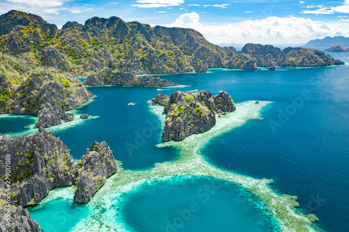Foto auf Leinwand Grau Aerial view of beautiful lagoons and limestone cliffs of Coron, Palawan, Philippines