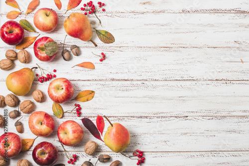 Fotomural  Flat lay autumn fruit copy space