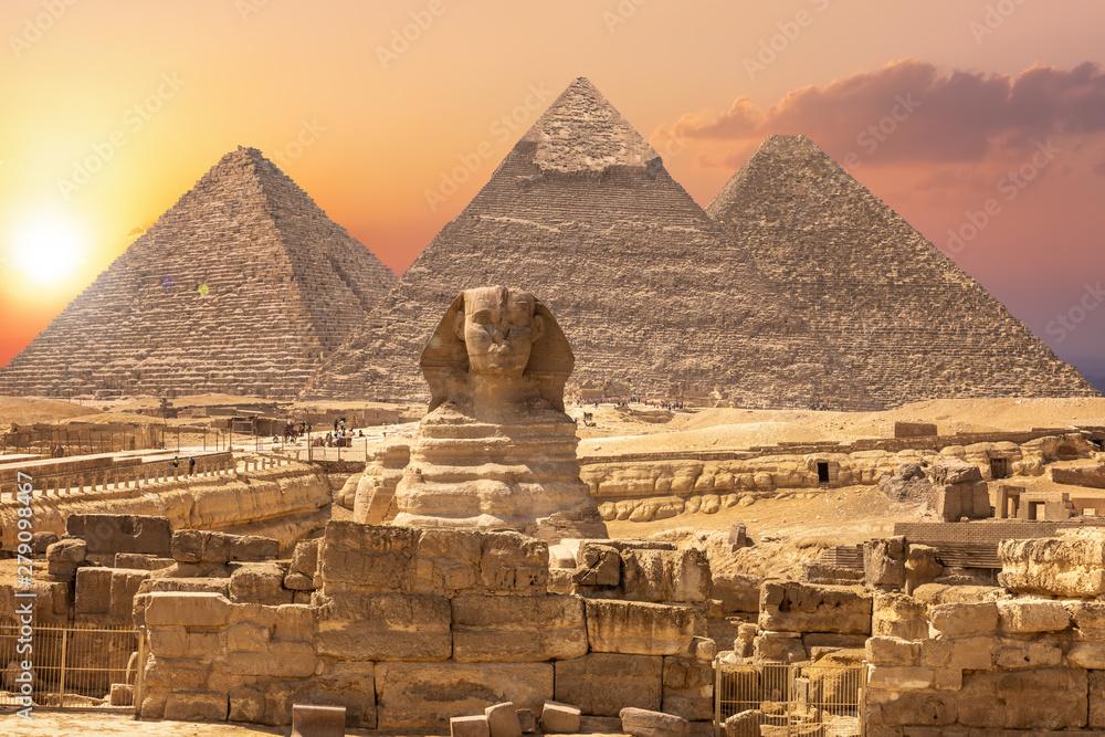 Fototapeta The Sphinx and the Piramids, famous Wonder of the World, Giza, Egypt
