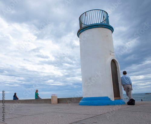 Foto auf AluDibond Hund Cape d'Agde Languedoc France Lighthouse