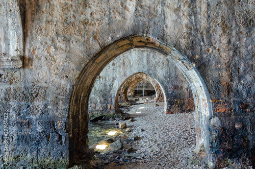 Photo Inside of the old shipyard in Alanya fortress, Antalya, Turkey.