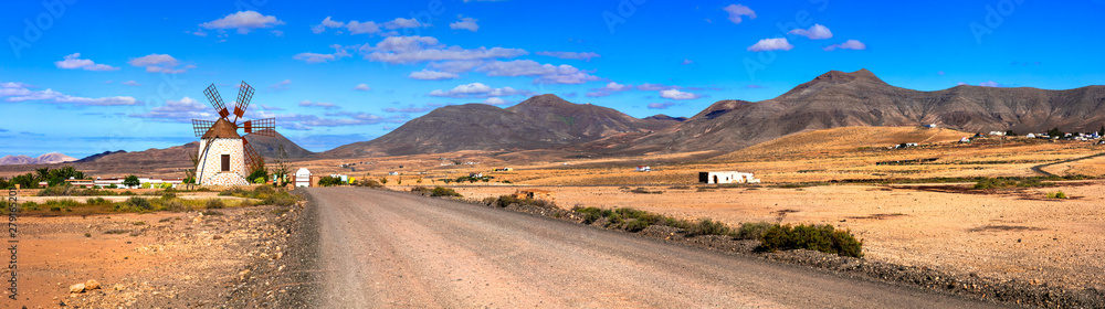 Fototapety, obrazy: Magnificent idillyc Fuerteventura island with magic deserted landscapes