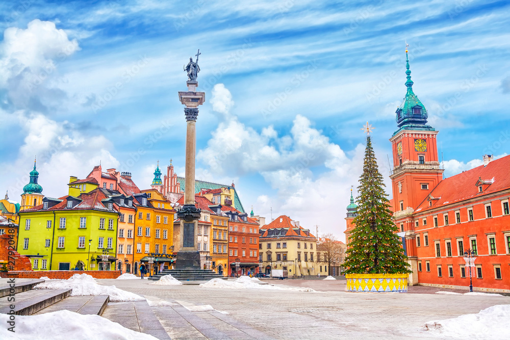 Fototapety, obrazy: Royal Castle, ancient colorful townhouses and Sigismund's Column in Old town in Warsaw on a Christmas day, Poland, is UNESCO World Heritage Site.