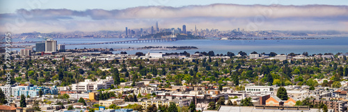 Panoramic view of Berkeley; San Francisco, Treasure Island and the Bay bridge visible in the background; California - 279273675