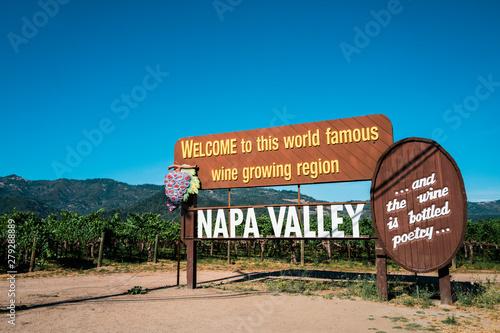 Fototapeta Welcome sign of Napa Valley, California obraz