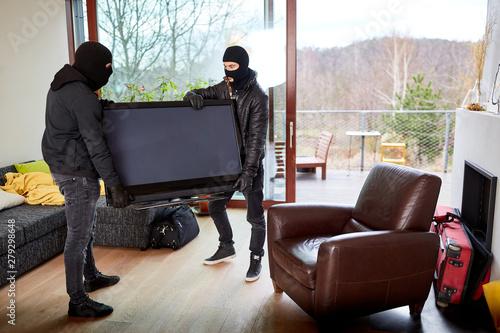 Zwei Einbrecher klauen Fernseher aus Haus Canvas-taulu