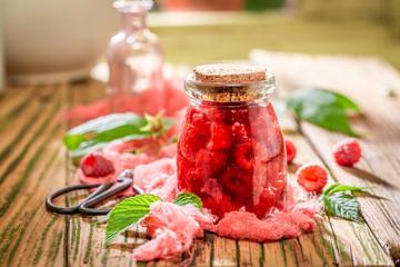 Sweet raspberry tincture wi...