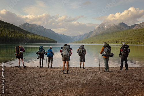 Cadres-photo bureau Vieux rose group of hikers ready to hike around Bowman lake in Montana, Glacier National Park