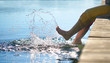 Leinwanddruck Bild - Abkühlung im See