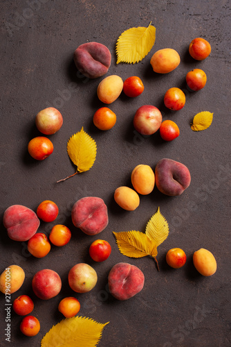 Fotografie, Obraz Fresh ripe tasty fruits and autumn leaves