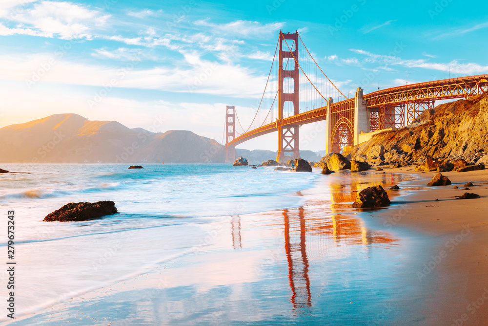 Fototapeta Golden Gate Bridge at sunset, San Francisco, California, USA