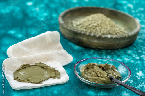 Poster Fleur Clay Spa and medical concept: Clay Poultice Use It to Relieve Inflammation,for abscess,cyst,arthritis,Skincare benefit, blue background