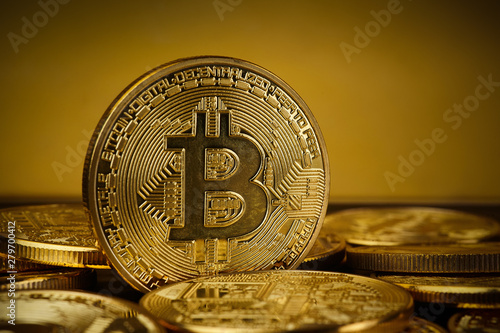 Papiers peints Nature Golden Bitcoin on dark backround. New virtual money. Crypto currency